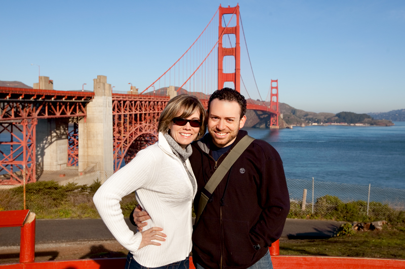 Matt Browne and Erin Browne in front of the Golden Gate Bridge