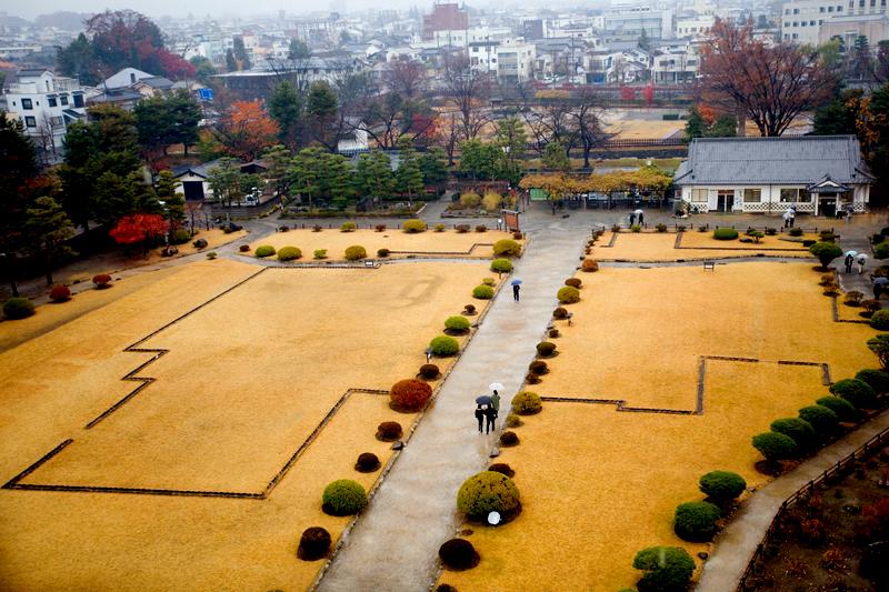 matsumoto castle courtyard