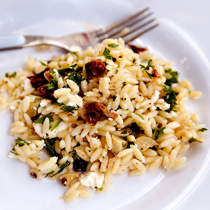 Recipe for fresh Orzo Pasta Salad with olives and sundried tomatoes
