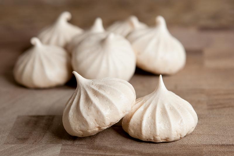 How to make vanilla meringue cookies
