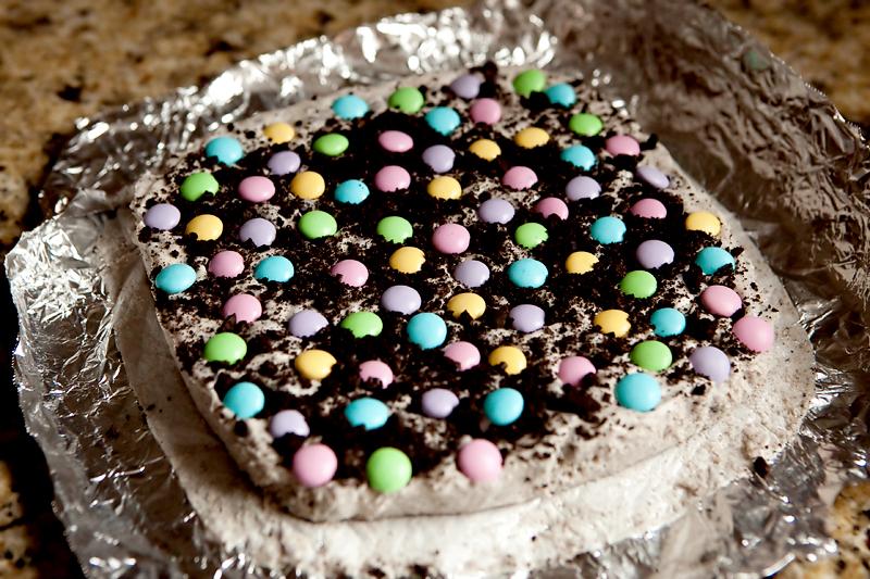 Fudge made with white chocolate and oreos