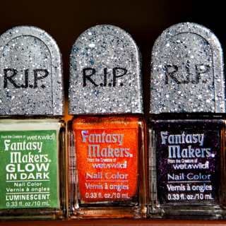 31 Days of Halloween #2: Fantasy Makers 2011 Nail Polish