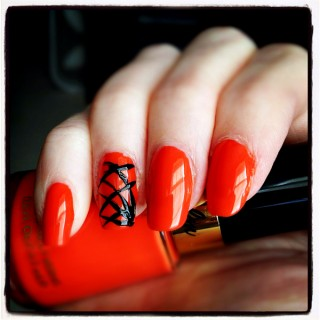 31 Days of Halloween #23 – First holiday manicure!