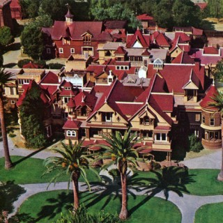31 Days of Halloween #16: The Winchester Mystery House