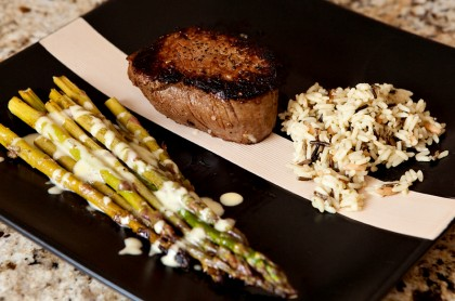 filet-mignon-roasted-asparagus-hollandaise-1