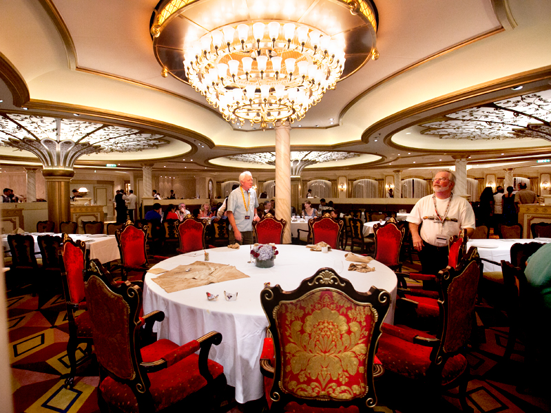 disney-fantasy-cruise-western-caribbean-see-ya-real-soon-dinner-royal-court-08