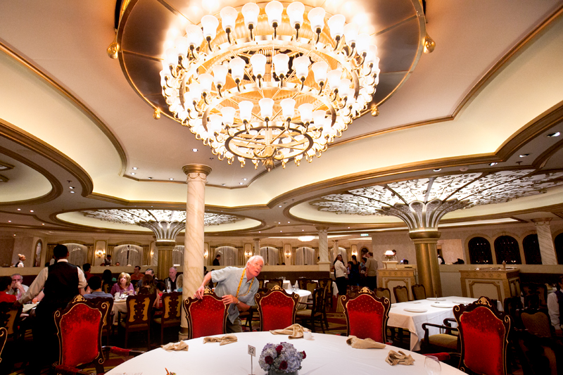 disney-fantasy-cruise-western-caribbean-see-ya-real-soon-dinner-royal-court-09