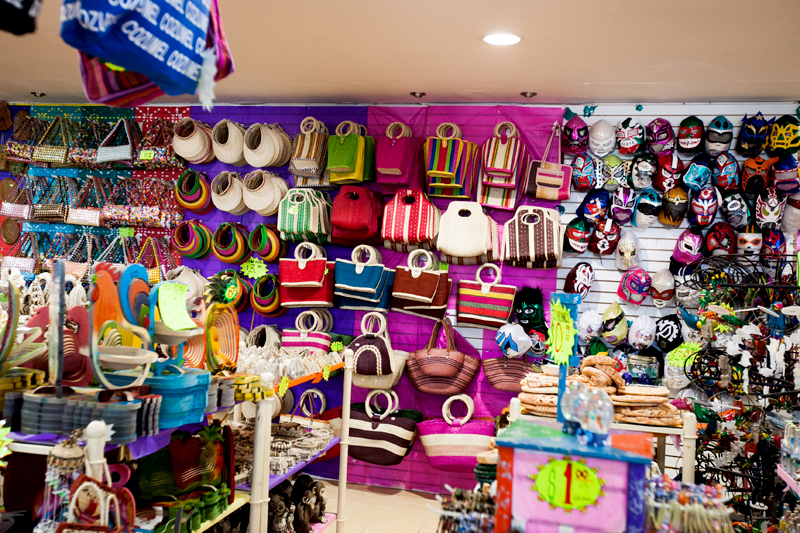 purses and hats for sale in cozumel
