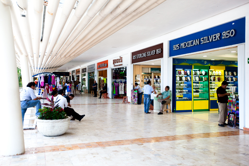 shopping in cozumel