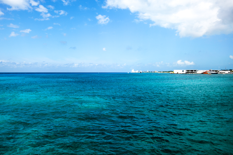 colorful water in cozumel