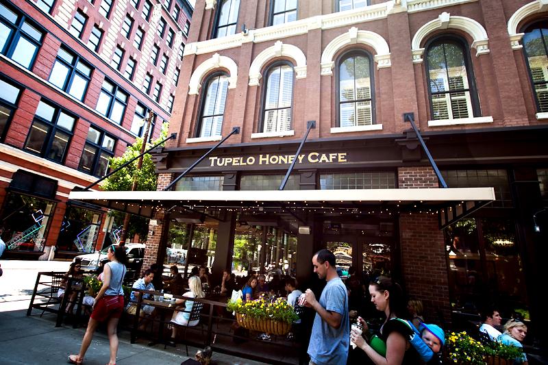 tupelo honey cafe patio and sign