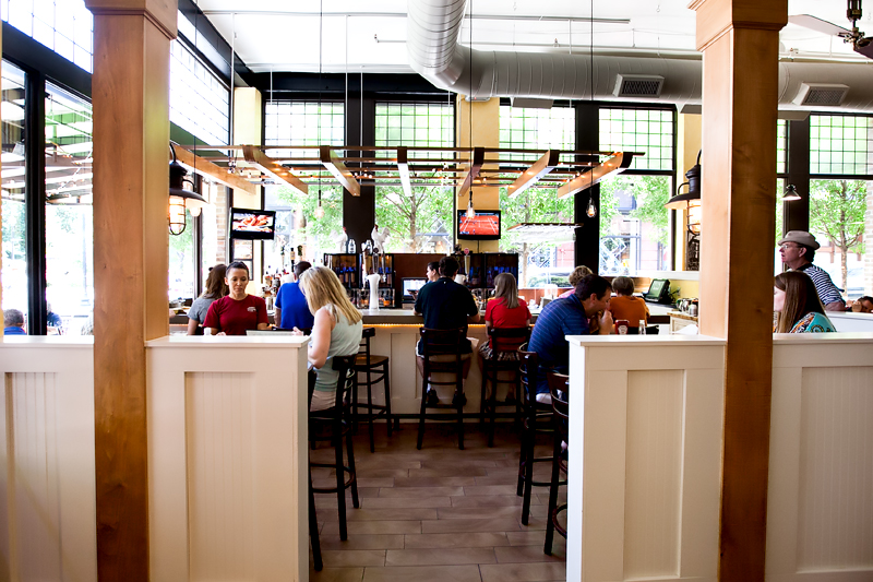 tupelo honey cafe bar in knoxville