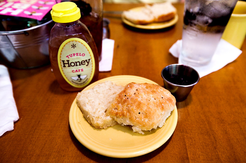 tupelo-honey-cafe-knoxville-menu-and-review-09