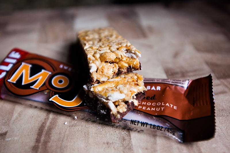 clif-mojo-dipped-chocolate-peanut-03