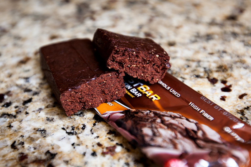 quest-protein-bar-chocolate-brownie-review-2