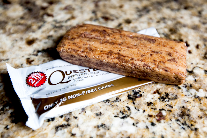 quest-protein-bar-chocolate-chip-cookie-dough-review-2