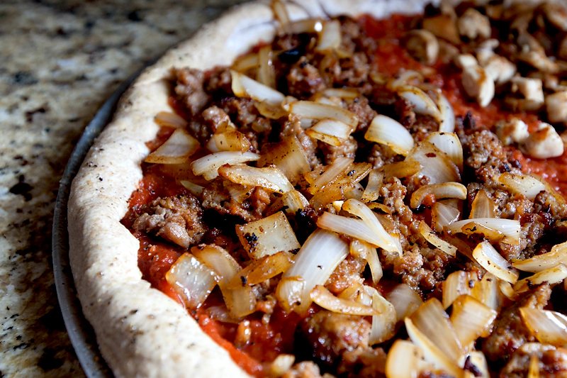 homemade-pizza-recipe-with-easy-pizza-dough-04