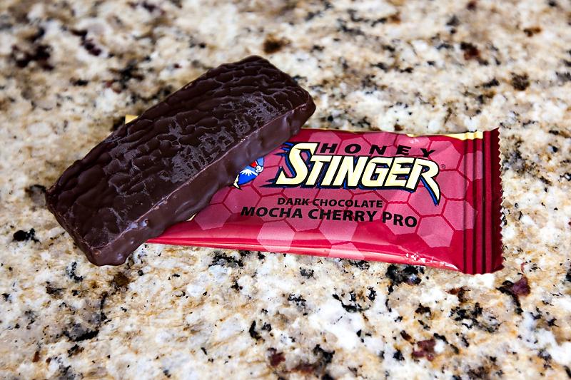 honey-stinger-energy-bar-review-dark-chocolate-mocha-cherry