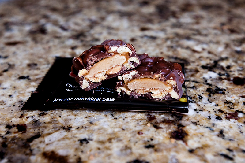 review-of-oh-yeah-chocolate-caramel-protein-bars-02