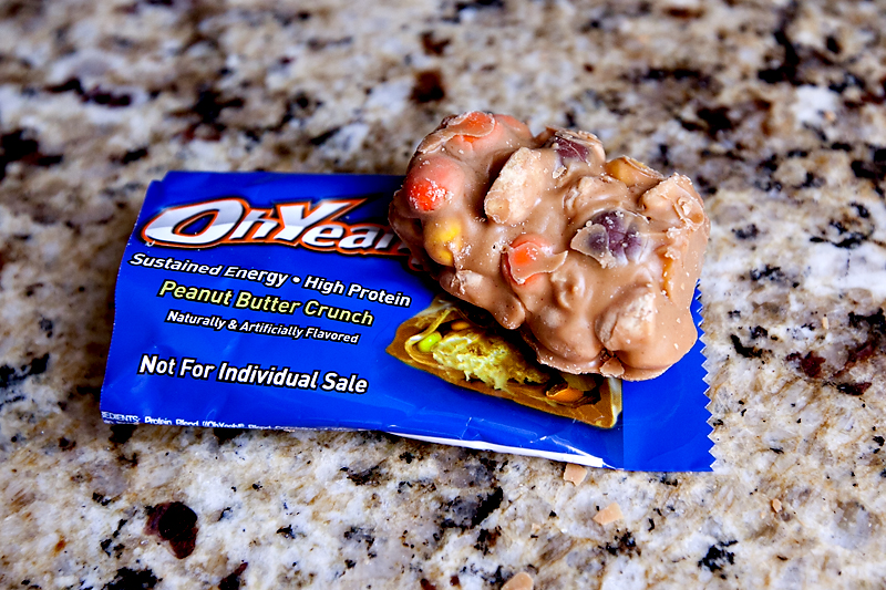 review-of-oh-yeah-peanut-butter-crunch-protein-bars-01