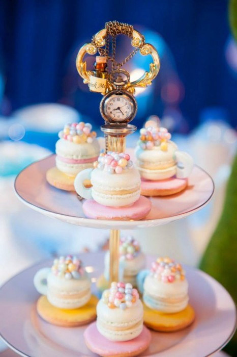 vintage-alice-in-wonderland-party-theme