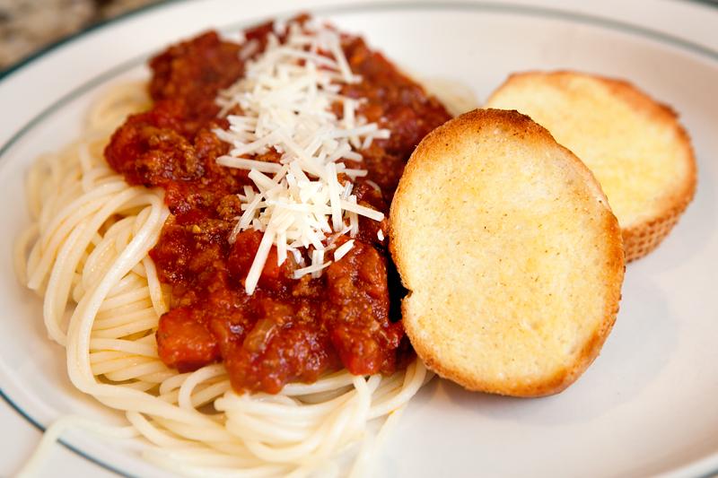 authentic-italian-spaghetti-meat-sauce-01