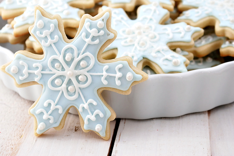 disney-frozen-snowflake-sugar-cookies