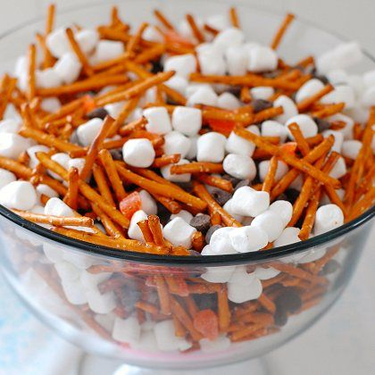 disney-frozen-snowman-snack-mix