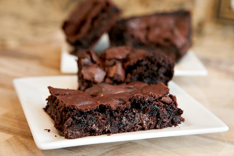 gooey-fudge-brownie-recipe-01