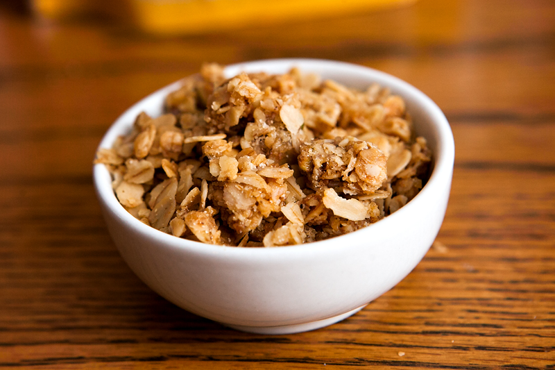 gatherers-granola-bees-knees-in-bowl