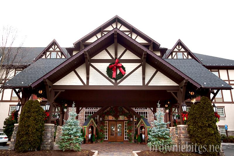 inn-at-christmas-place-02