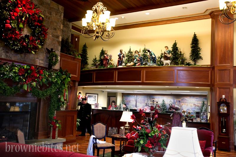 inn-at-christmas-place-04