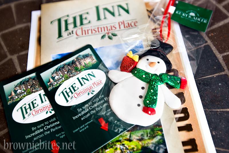inn-at-christmas-place-08