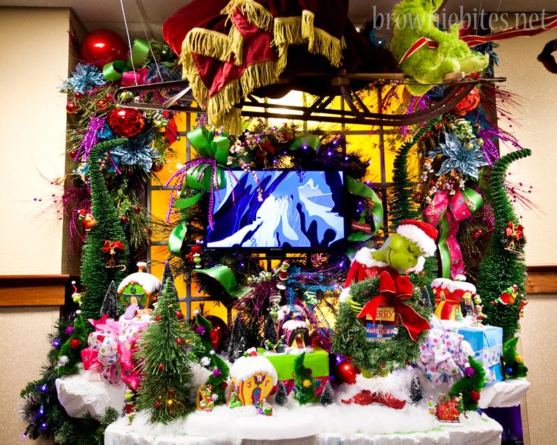 inn-at-christmas-place-26