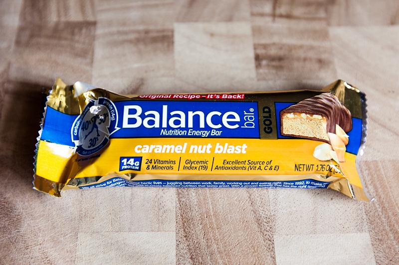 balance-bar-caramel-nut-blast-bar-review-01