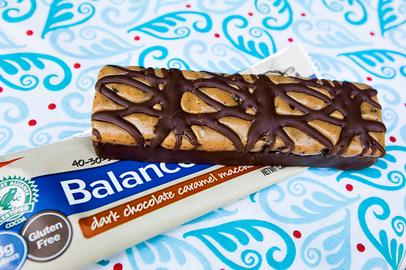 dark-chocolate-caramel-macchiato-balance-bar-review-01