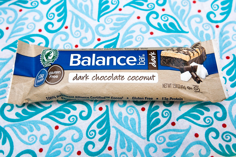 dark-chocolate-coconut-balance-bar-review-01