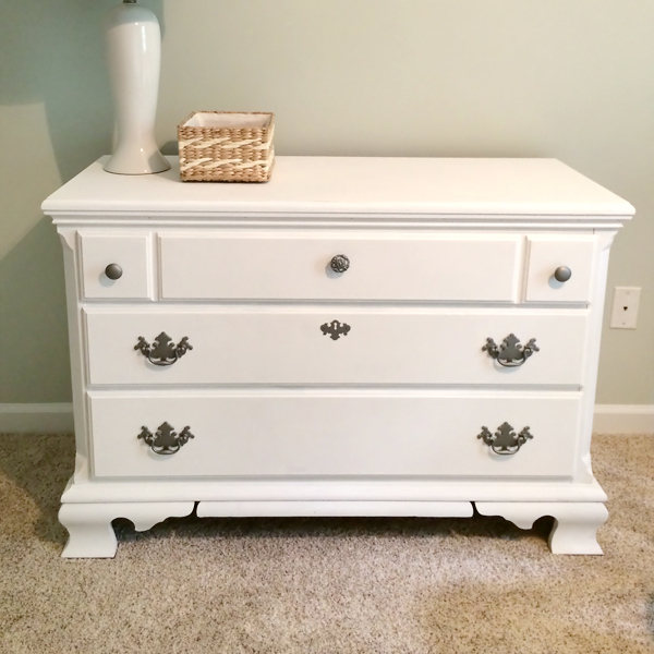 how-to-spray-paint-drawer-knobs-01