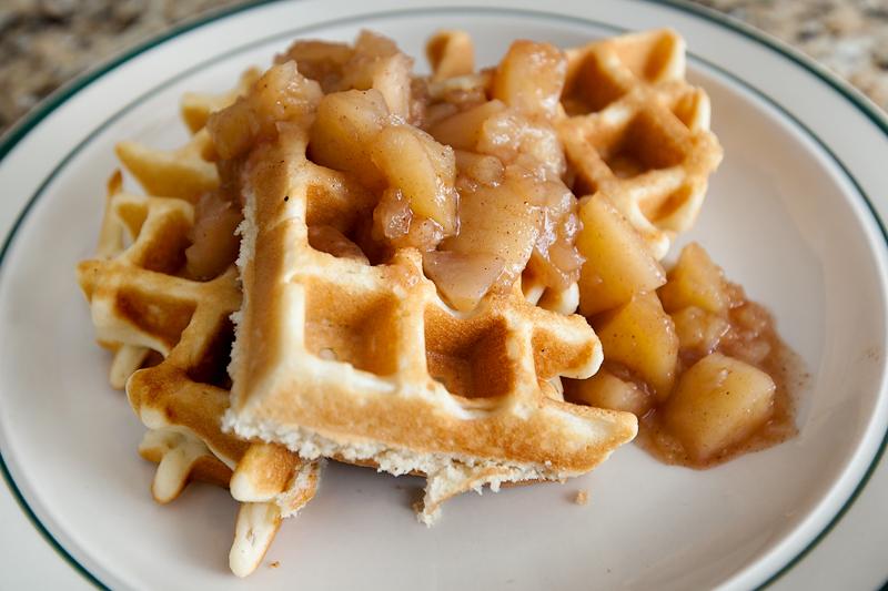 krusteaz-breakfast-for-dinner-cinnamon-apple-waffles-04