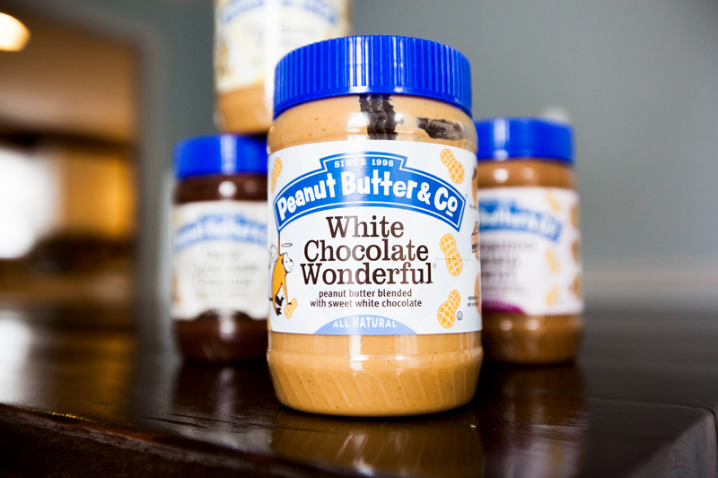 peanut-butter-and-co-white-chocolate-wonderful-review-01