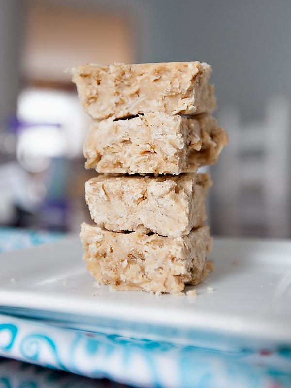 white-chocolate-peanut-butter-no-bake-hob-knobs-02