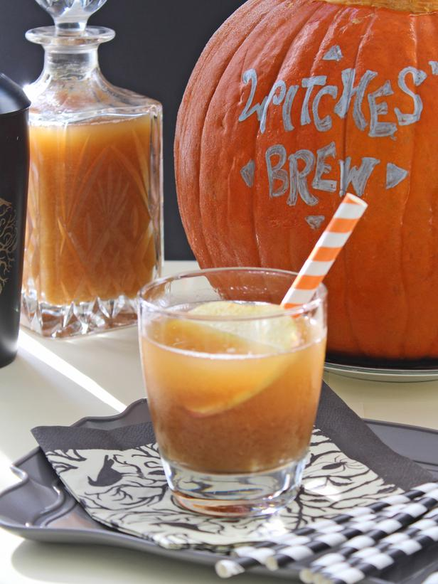 halloween-party-drink-ideas-pumpkin-apple-spice-sangria-punch