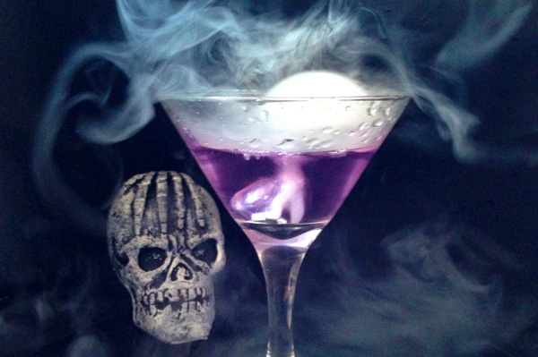 halloween-party-drink-morphing-color-changing-martini