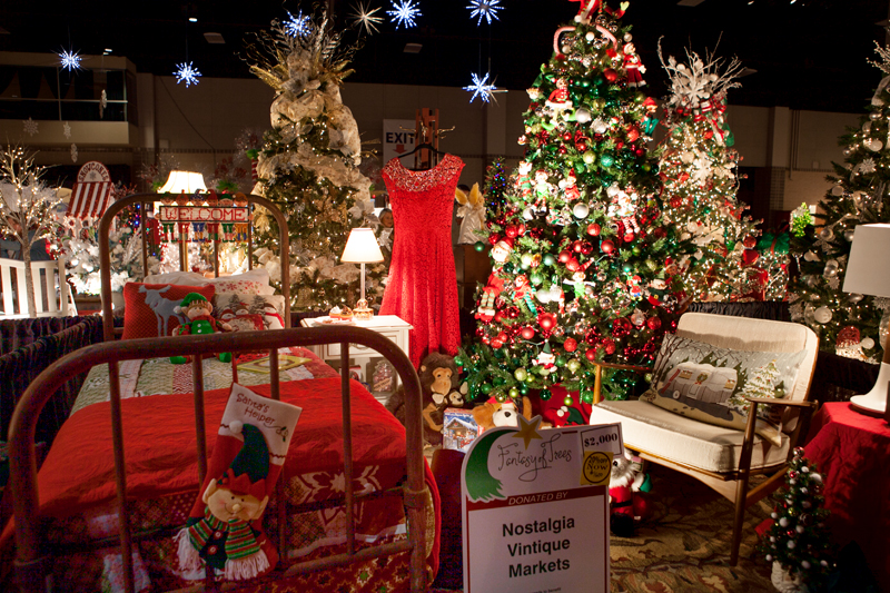 knoxville-fantasy-of-trees-2014-15