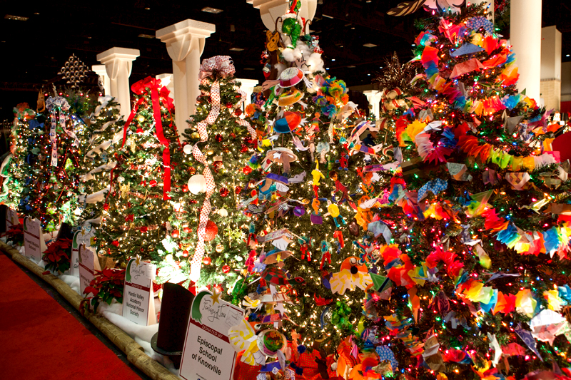 knoxville-fantasy-of-trees-2014-16