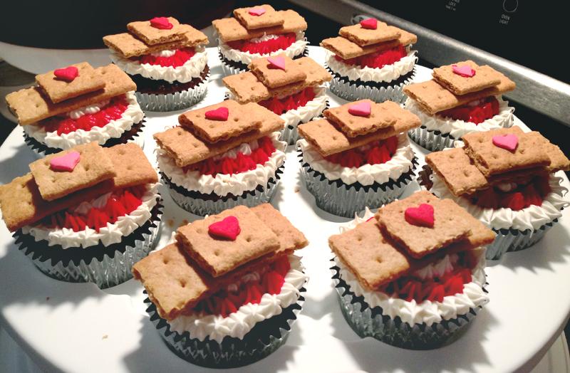 doc-mcstuffins-party-ideas-band-aid-cupcakes-03
