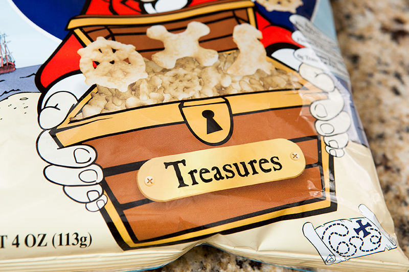 super-bowl-paper-snack-cone-printables-and-pirate's-booty-review-08