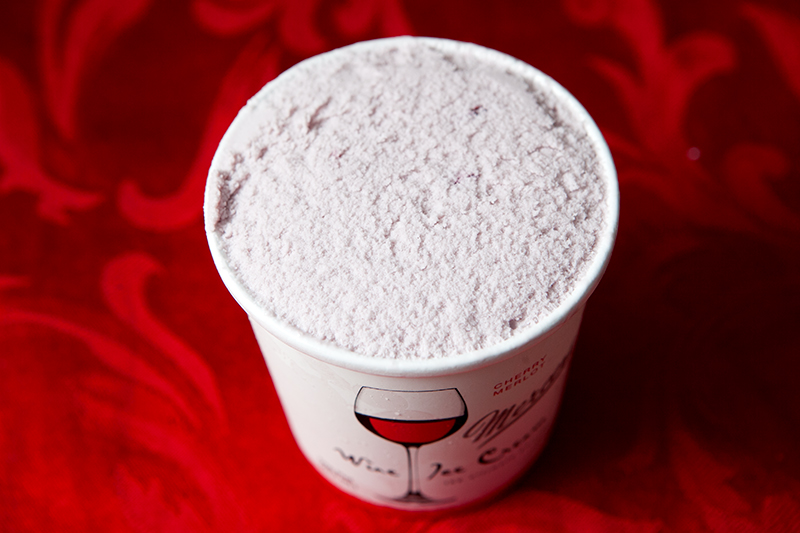 mercer's-wine-ice-cream-cherry-merlot-review-03