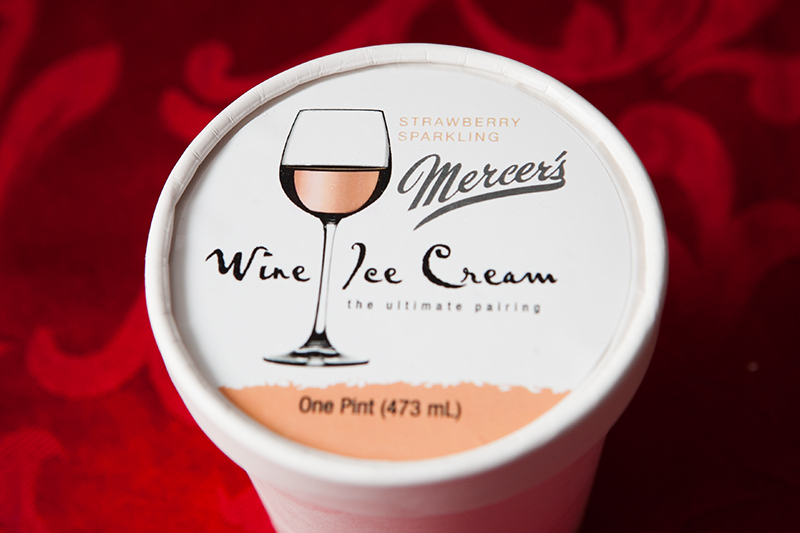 mercer's-wine-ice-cream-strawberry-sparkling-review-01