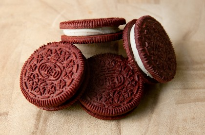 red-velvet-oreos-review-07